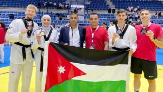 لاعبومنتخب عمان الأهلية للتايكواندو وضمن المنتخب الوطني الاردني يحصدون 3 ميداليات ملونة في البطولة الآسيوية