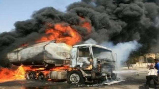 حريق صهريج في حادث مع مركبه على الطريق الصحراوي وتفحم السائق