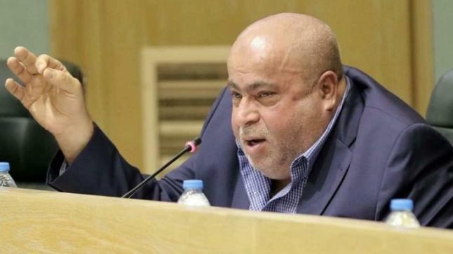 النائب خليل عطية يطالب الحكومة بـ استثناء صلاة الفجر من الحظر