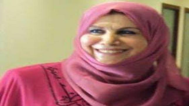 """بالصورة / """"ابنة المخيم"""" الكاتبة اعتماد سرسك تصدر مجموعتها الجديدة """" توقيعات انثى الورد"""""""