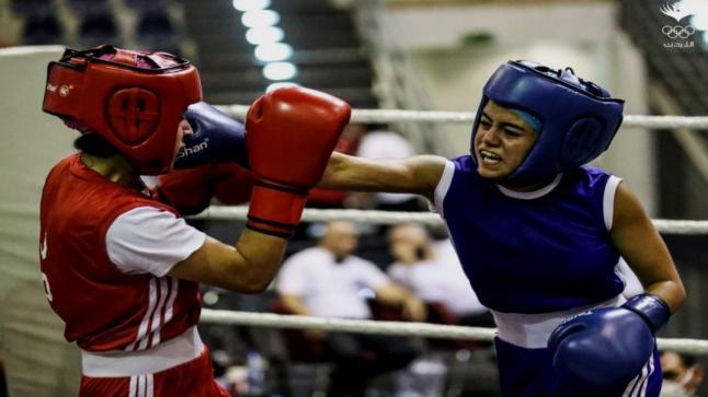 """فوز اللاعبة """"عبلة الشرايري """"بالميدالية الذهبية في بطولة المملكة المفتوحة للشباب"""